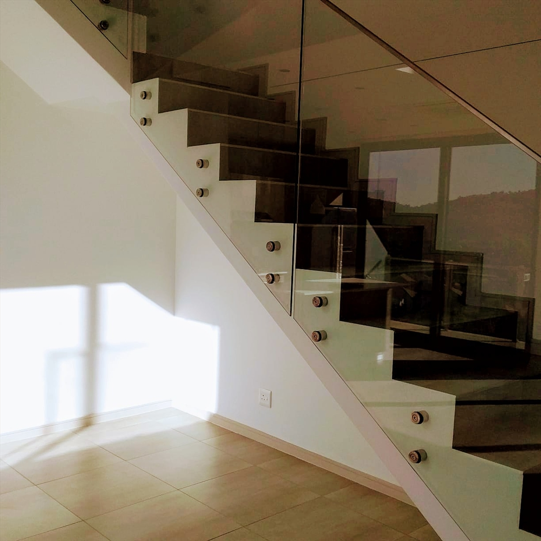 Penthouse For Sale in Bedfordview
