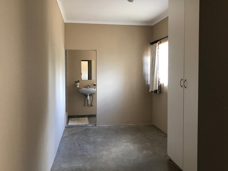 One bedroom flat - bedroom with en-suite bathroom