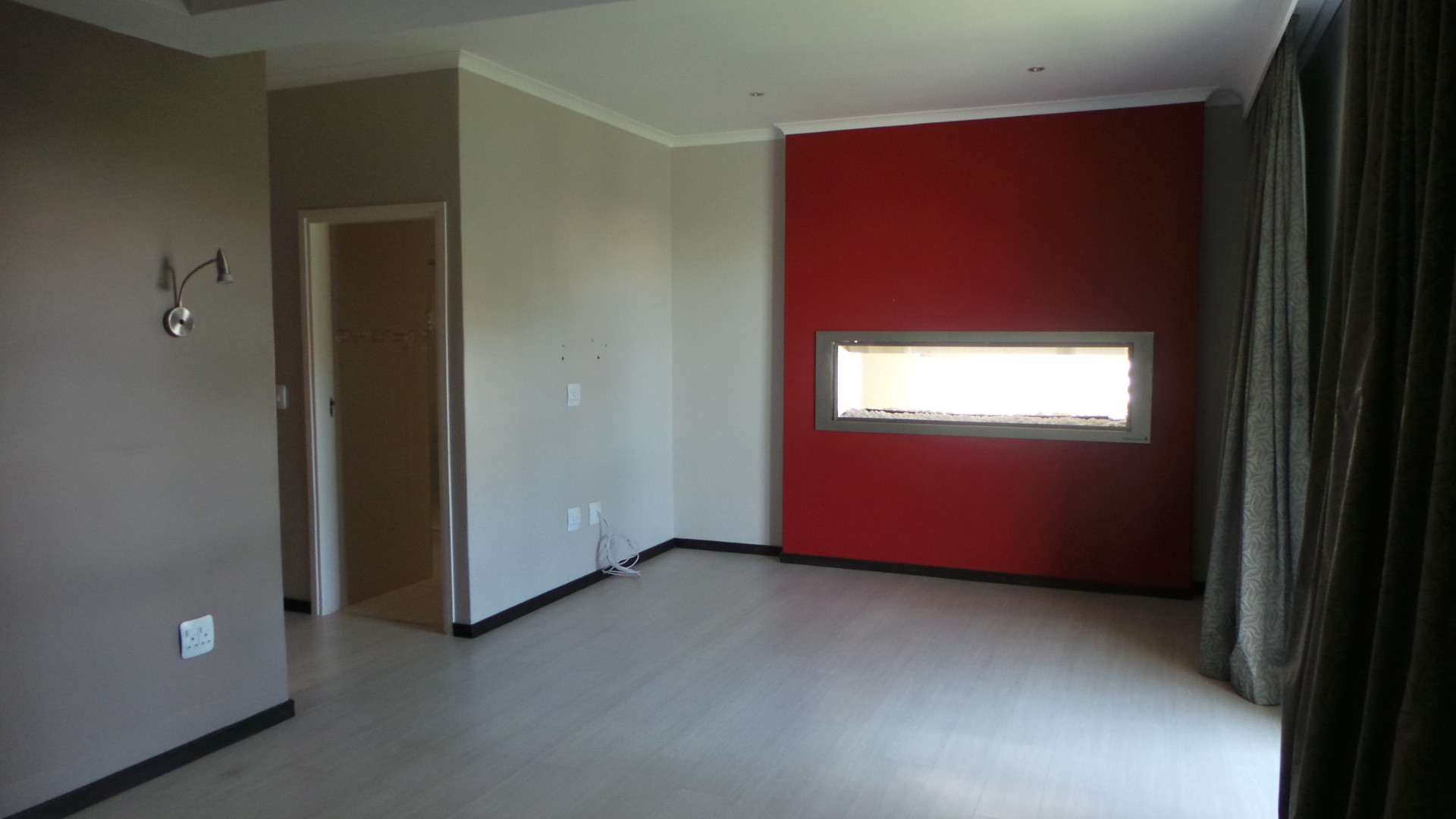 Main bedroom with gas fireplace