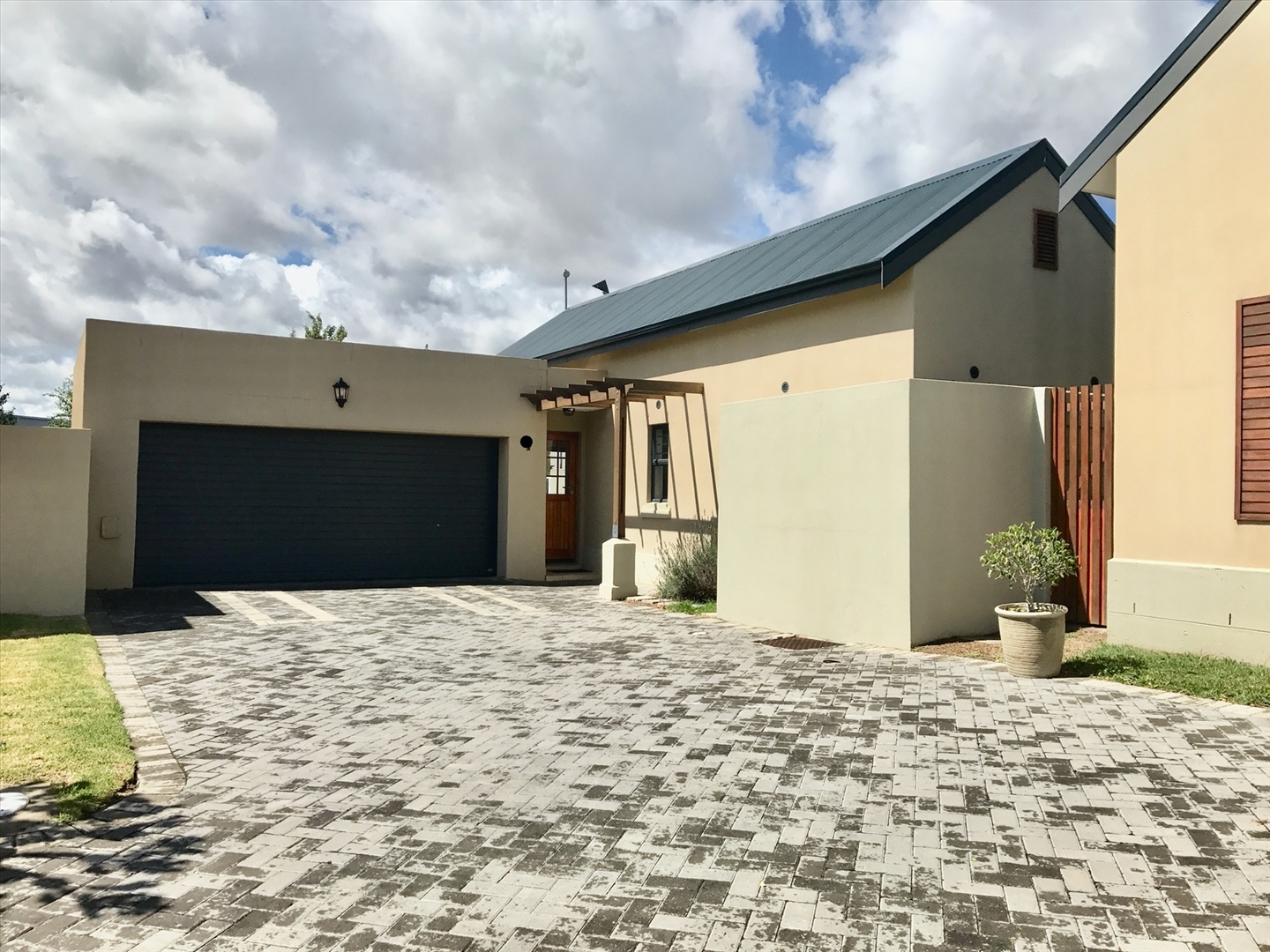 House For Sale in Buhrein