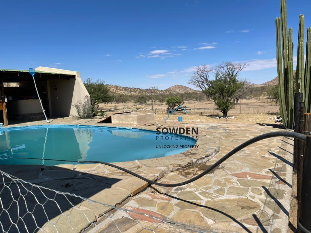 Swimming pool at Main dwelling