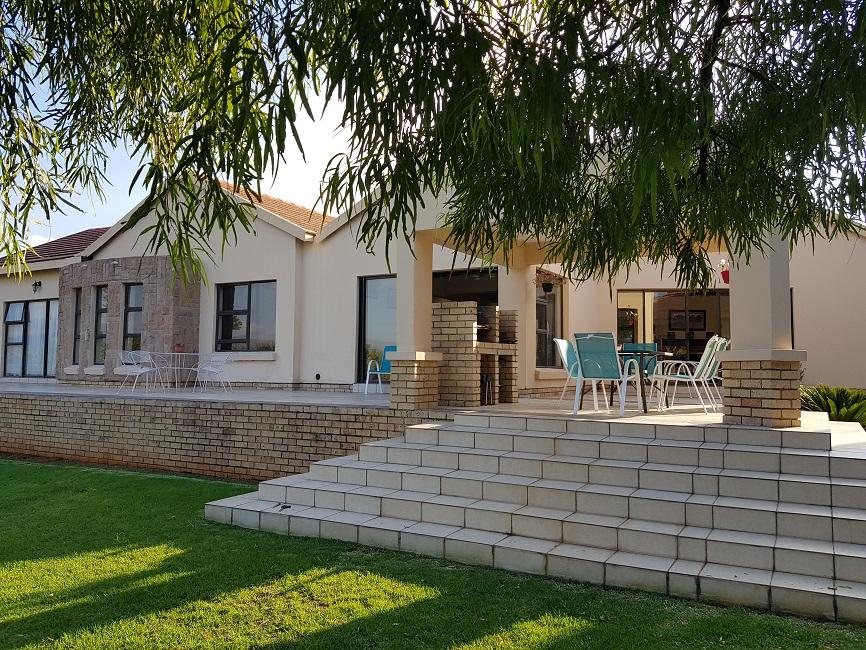 3 BedroomHouse For Sale In Buffelspoort