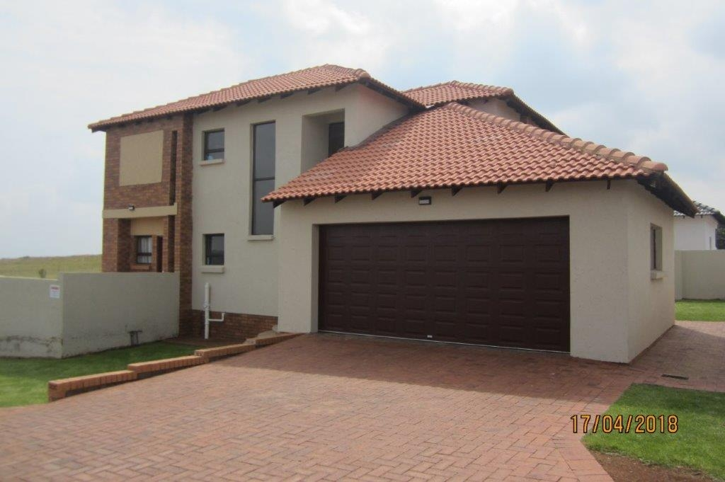 3 BedroomHouse To Rent In Oatlands