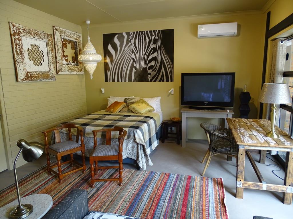 Suite 2 - bedroom area