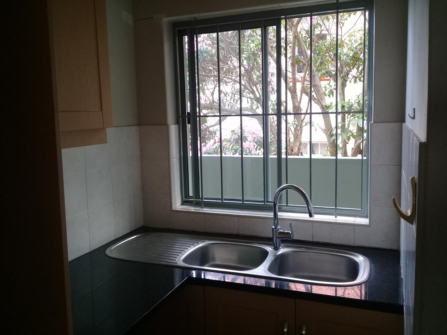 2 Bedroom Apartment for sale in Windermere 1831184 : photo#2