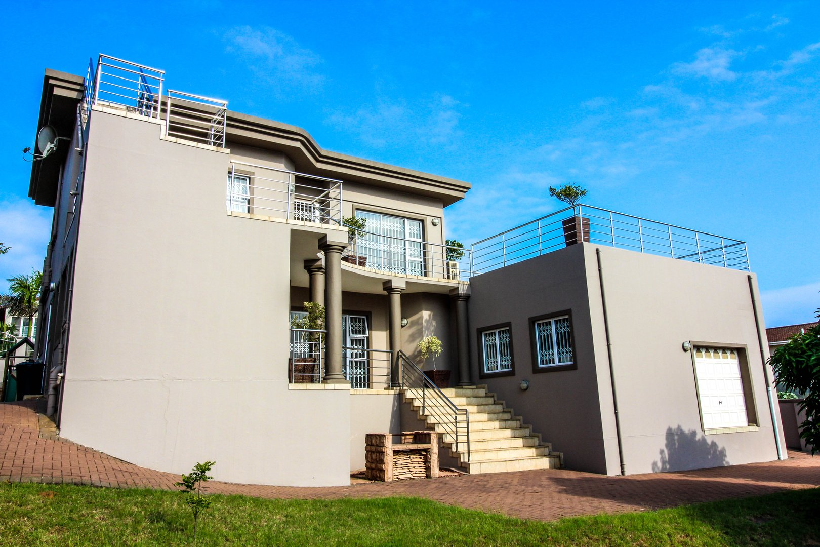 4 BedroomHouse To Rent In Sheffield Beach