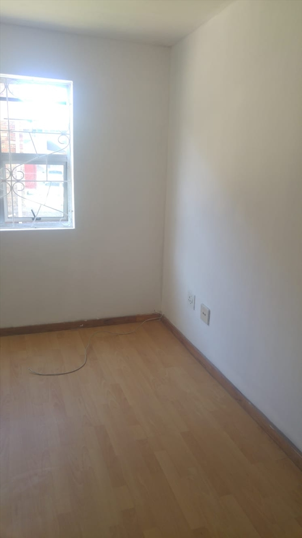 Bedroom with laminated floor