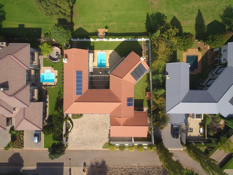 5 Bedroom House In Zwartkop Golf Estate Centurion For