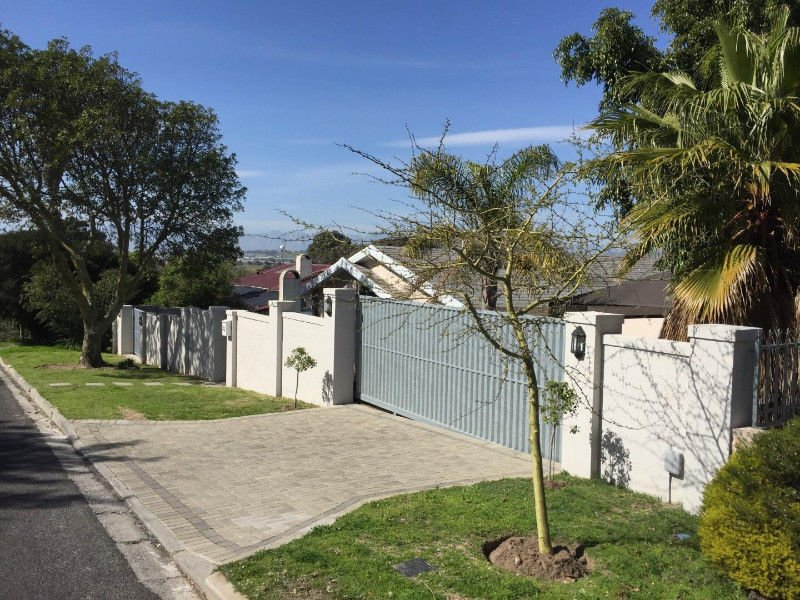 5 BedroomHouse To Rent In Stellenberg