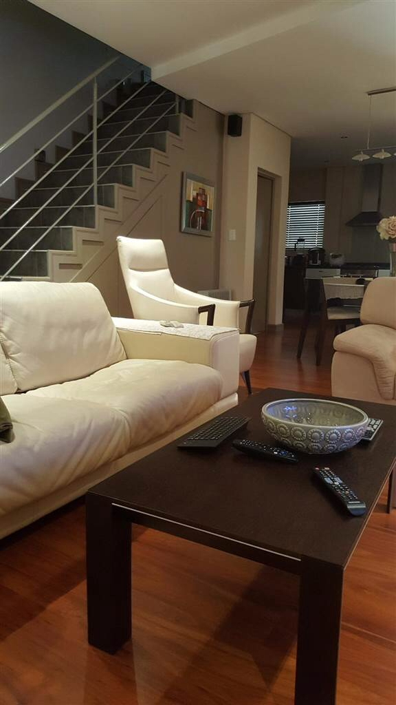Townhouse Rental Monthly in Melrose North