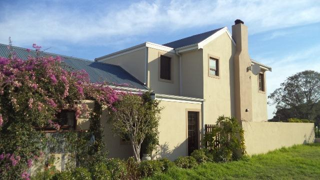 3 BedroomHouse To Rent In Somerset West