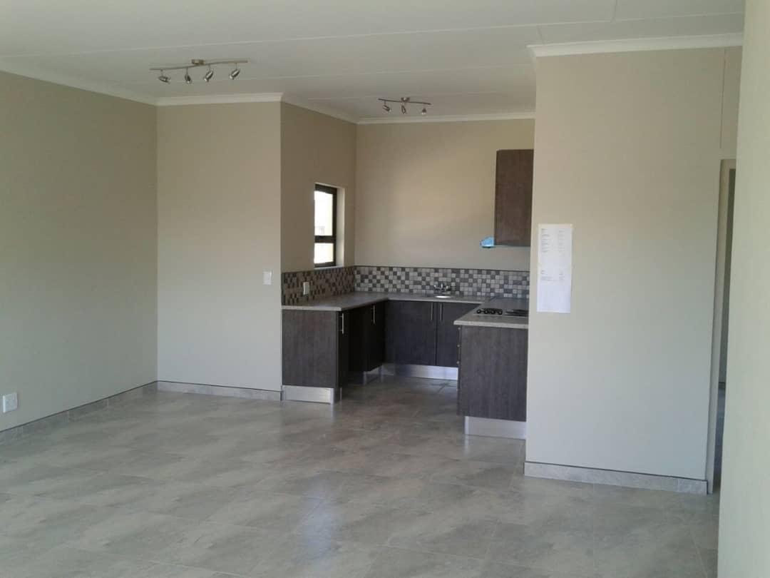Kitchen / Launge Area