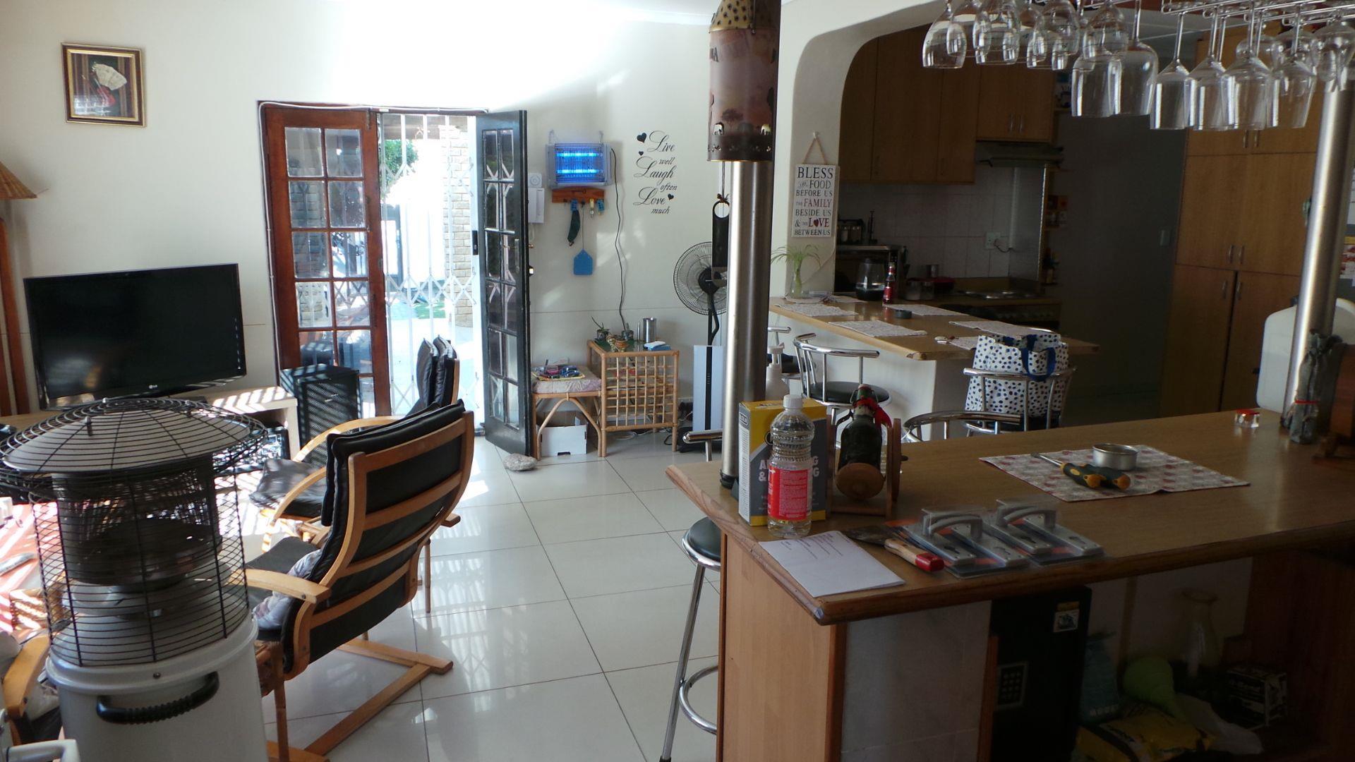 Open kitchen living