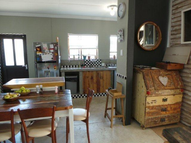 Open living perfect for dining room