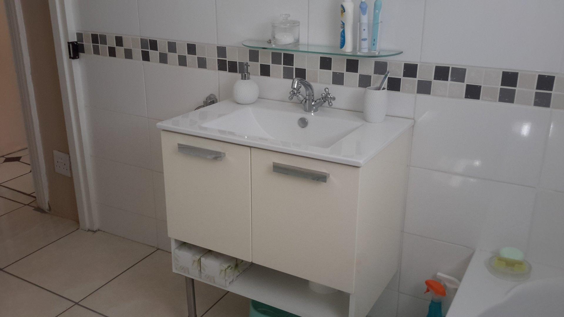 Wash basin and stand