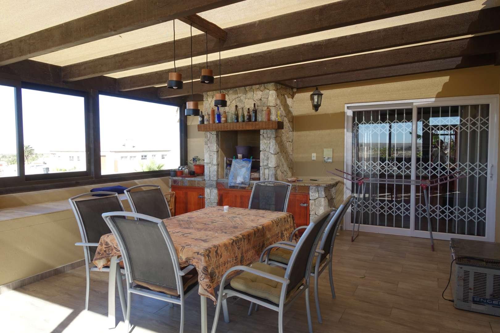 Enclosed verandah with BBQ