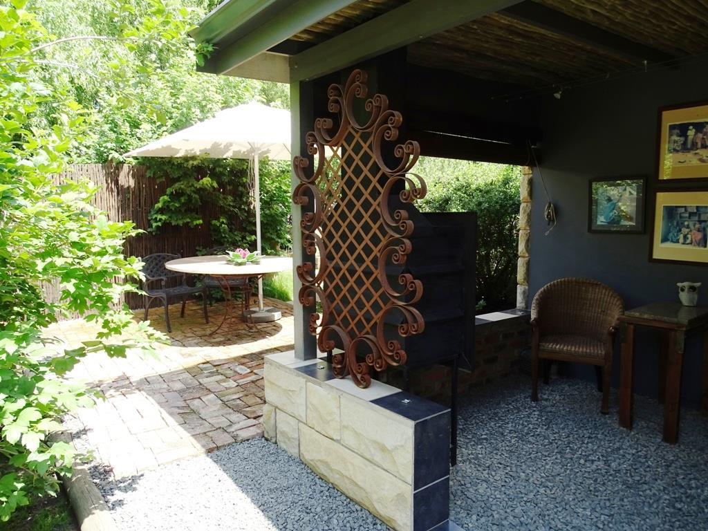 Suite 4 (cottage) - outside private garden area