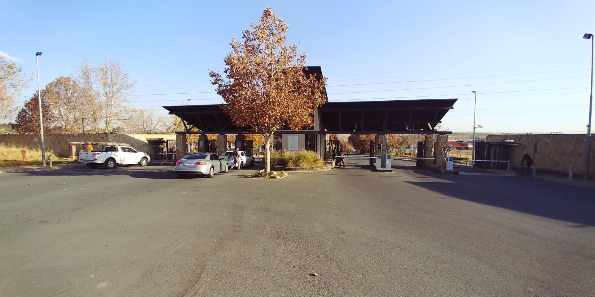 3 Bedroom House in Maroeladal, Randburg For Sale for R 1,650,000 #1859389