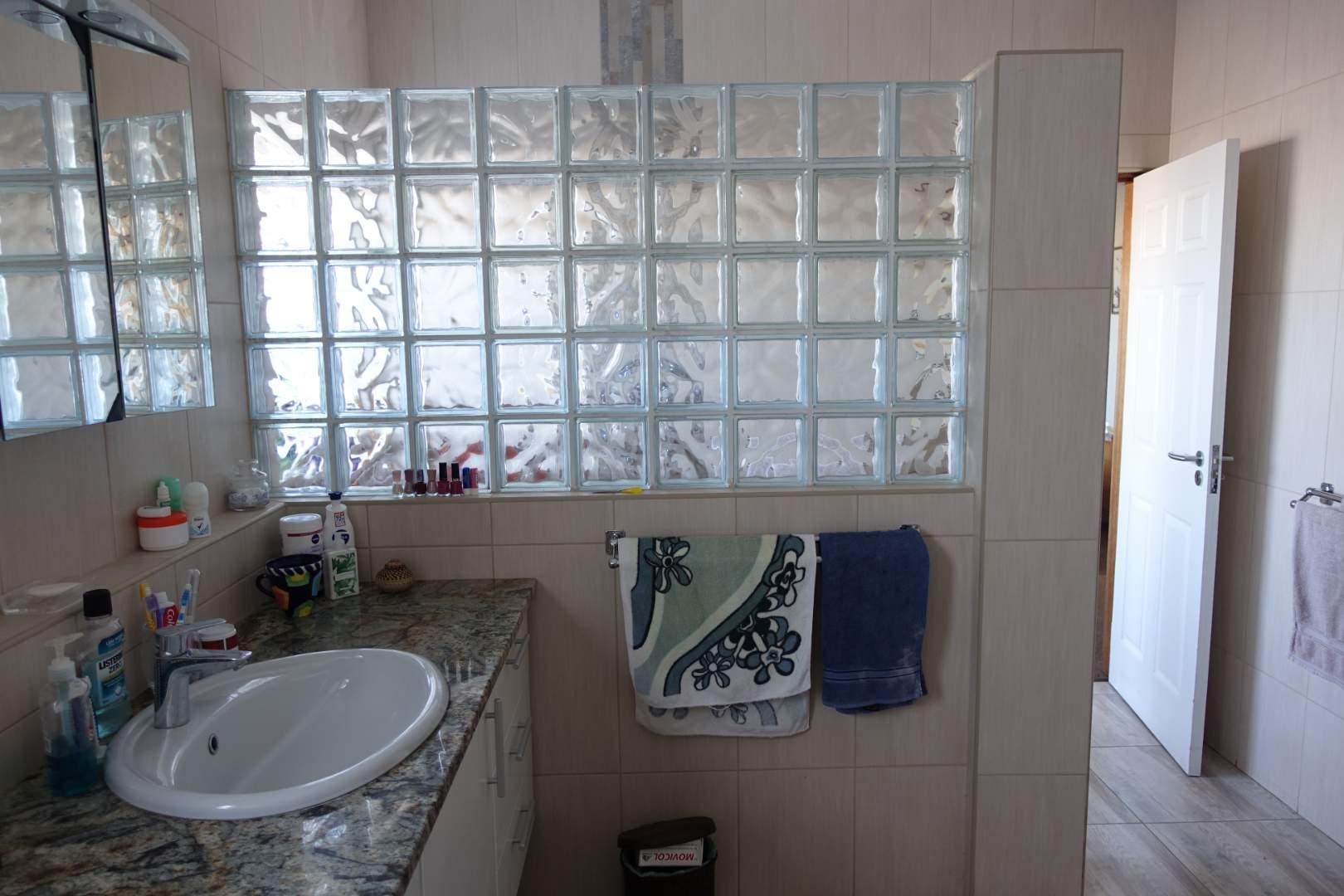 Main full bathroom