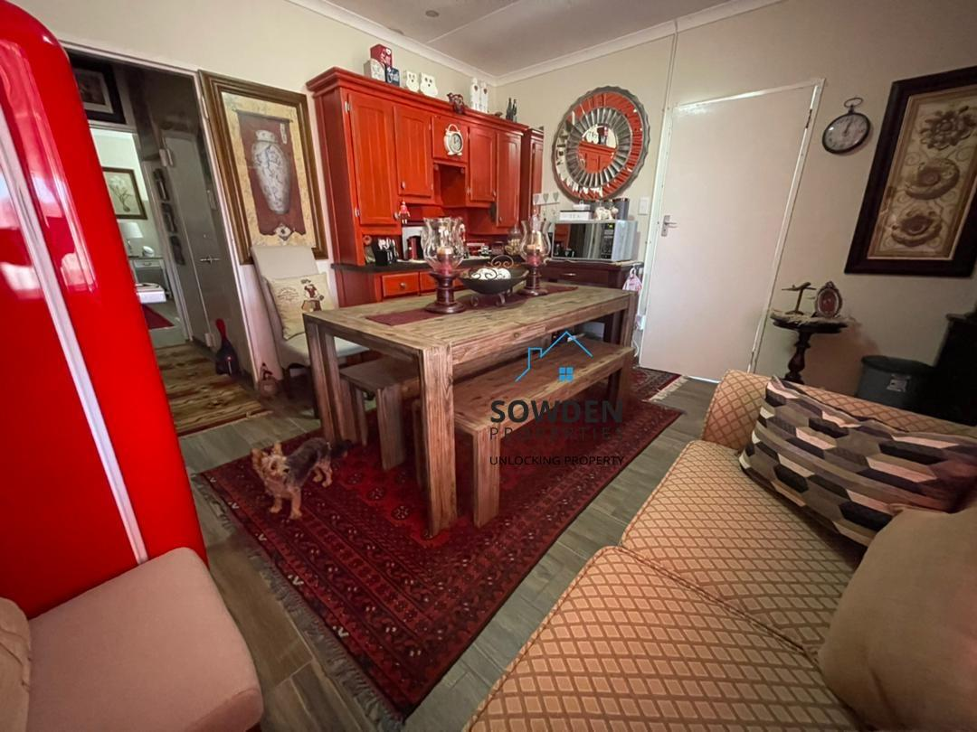 Guest dwelling dining room