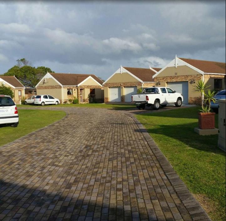 2 BedroomTownhouse For Sale In Port Elizabeth