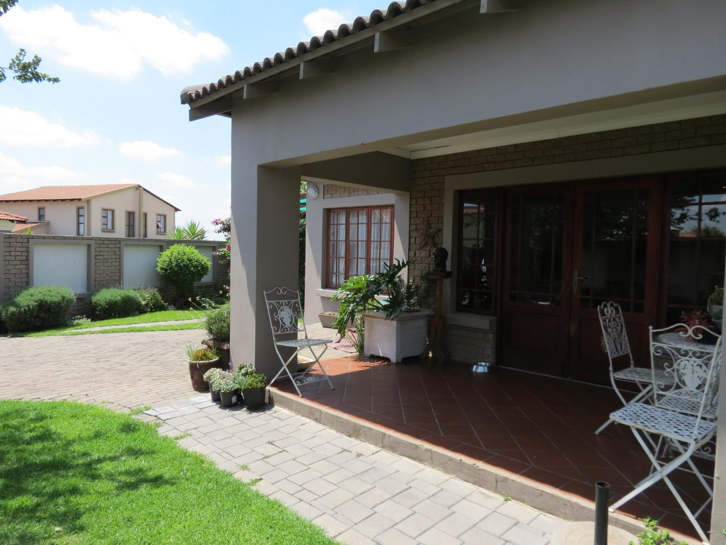 3 BedroomCluster For Sale In Clearwater Estate