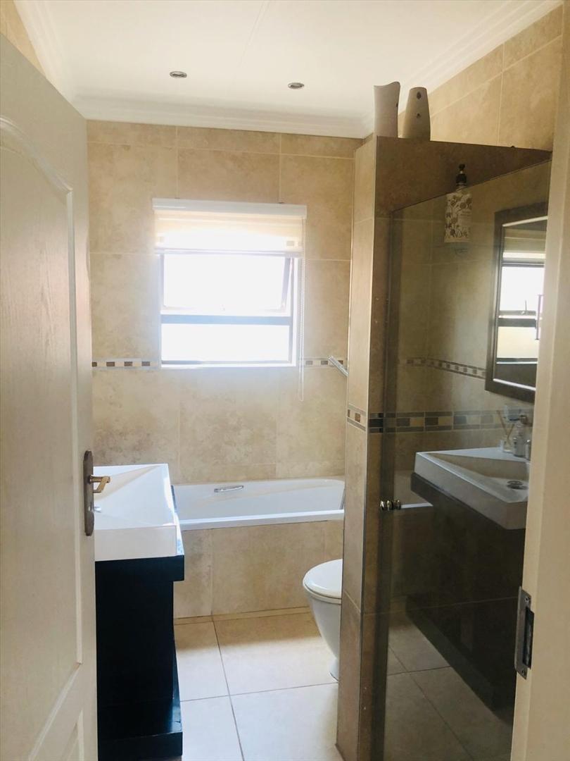 En-suite bathroom for bedroom 2