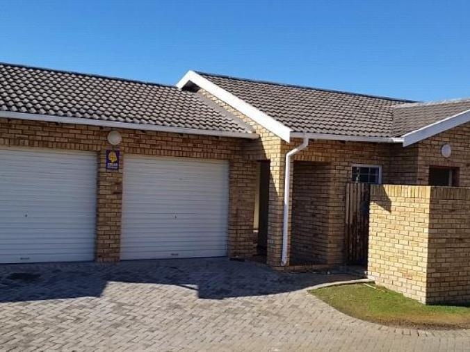 3 BedroomTownhouse For Sale In Sherwood