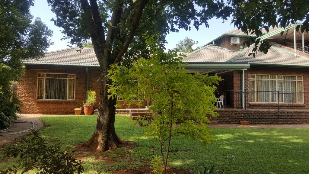 6 Bedroom House In Eldoraigne Centurion For Sale For R