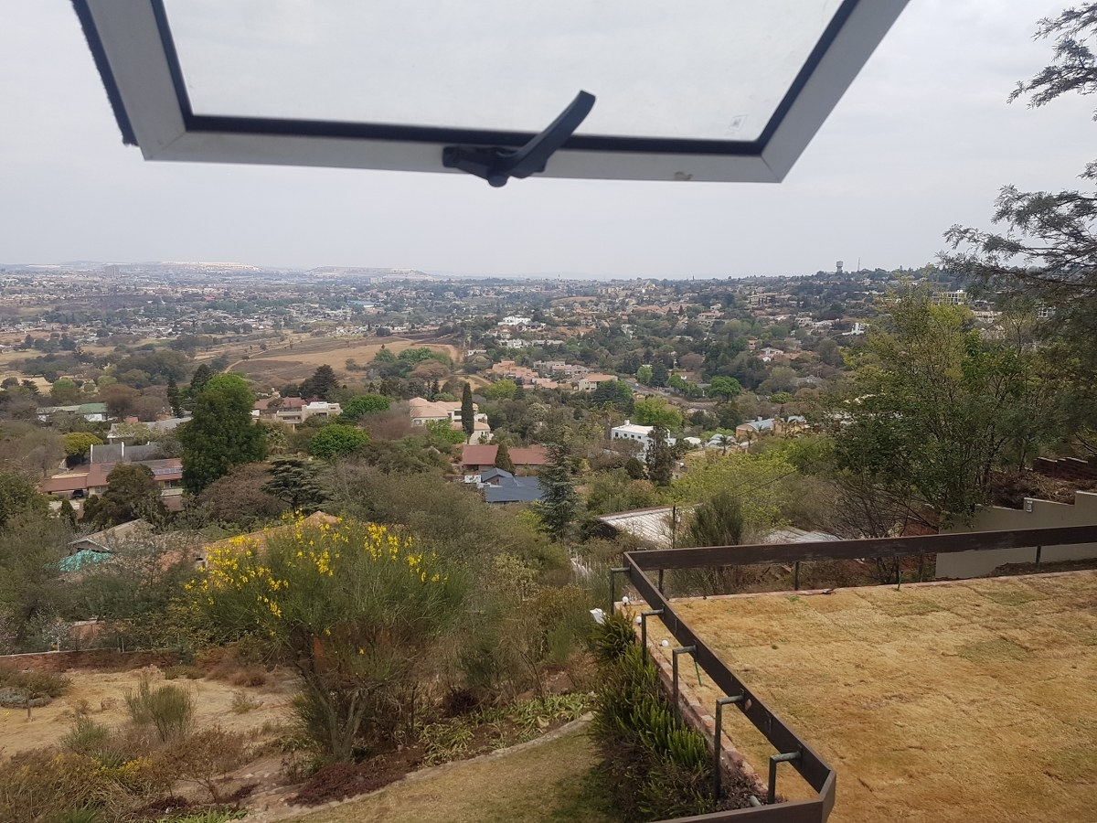 2 Bedroom House in Northcliff & Ext, Randburg Rental Monthly for R 7,500  #1862143