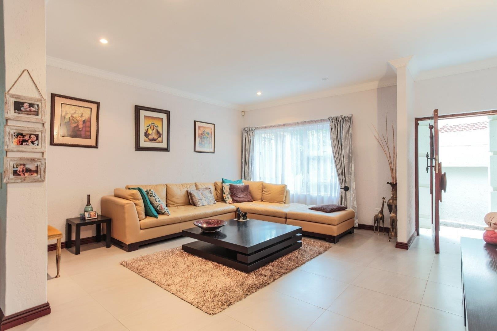4 Bedroom House in Gallo Manor, Sandton For Sale for R 3,200,000