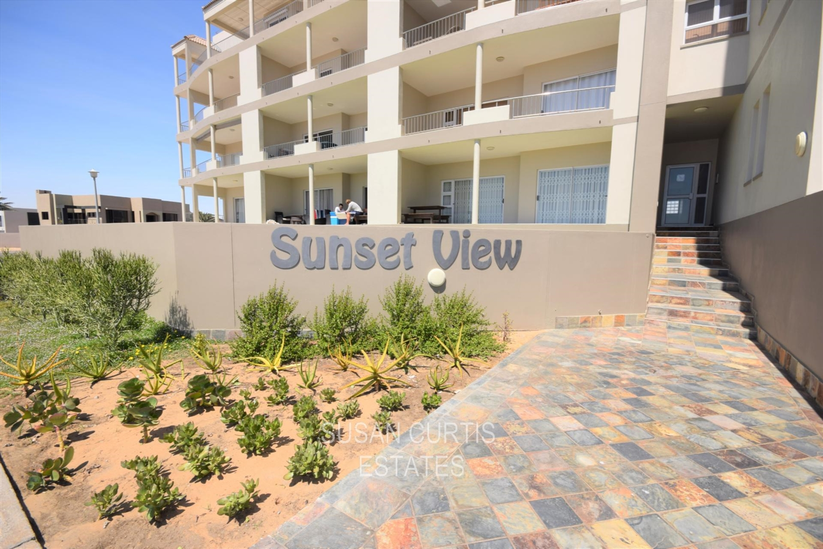 2 Bedroom Apartment in Long Beach, Long Beach For Sale for ...