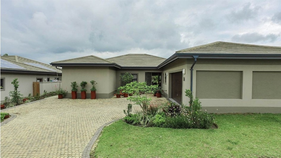 3 BedroomHouse For Sale In Palm Lakes Estates