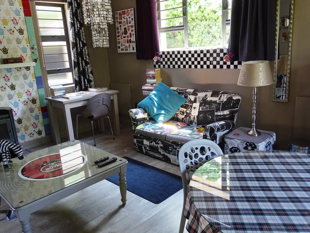 Suite (cottage) - living area