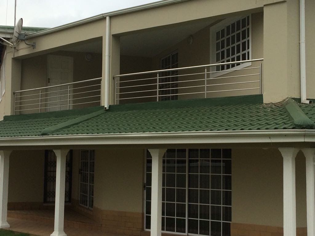 4 BedroomHouse For Sale In Mount Edgecombe