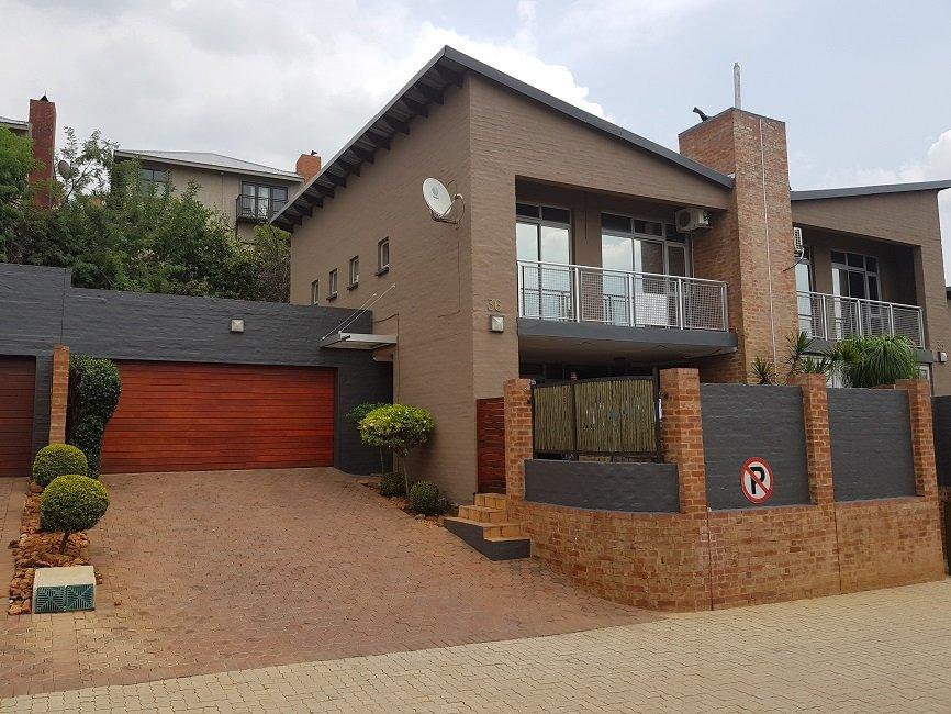 3 BedroomTownhouse To Rent In Cashan