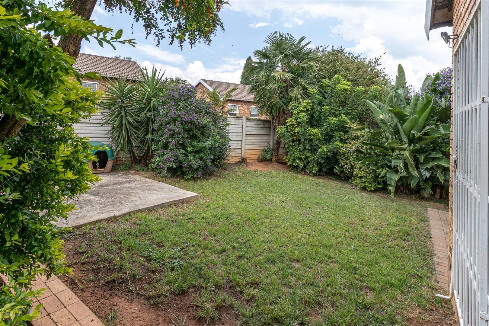 Large garden with patio & braai