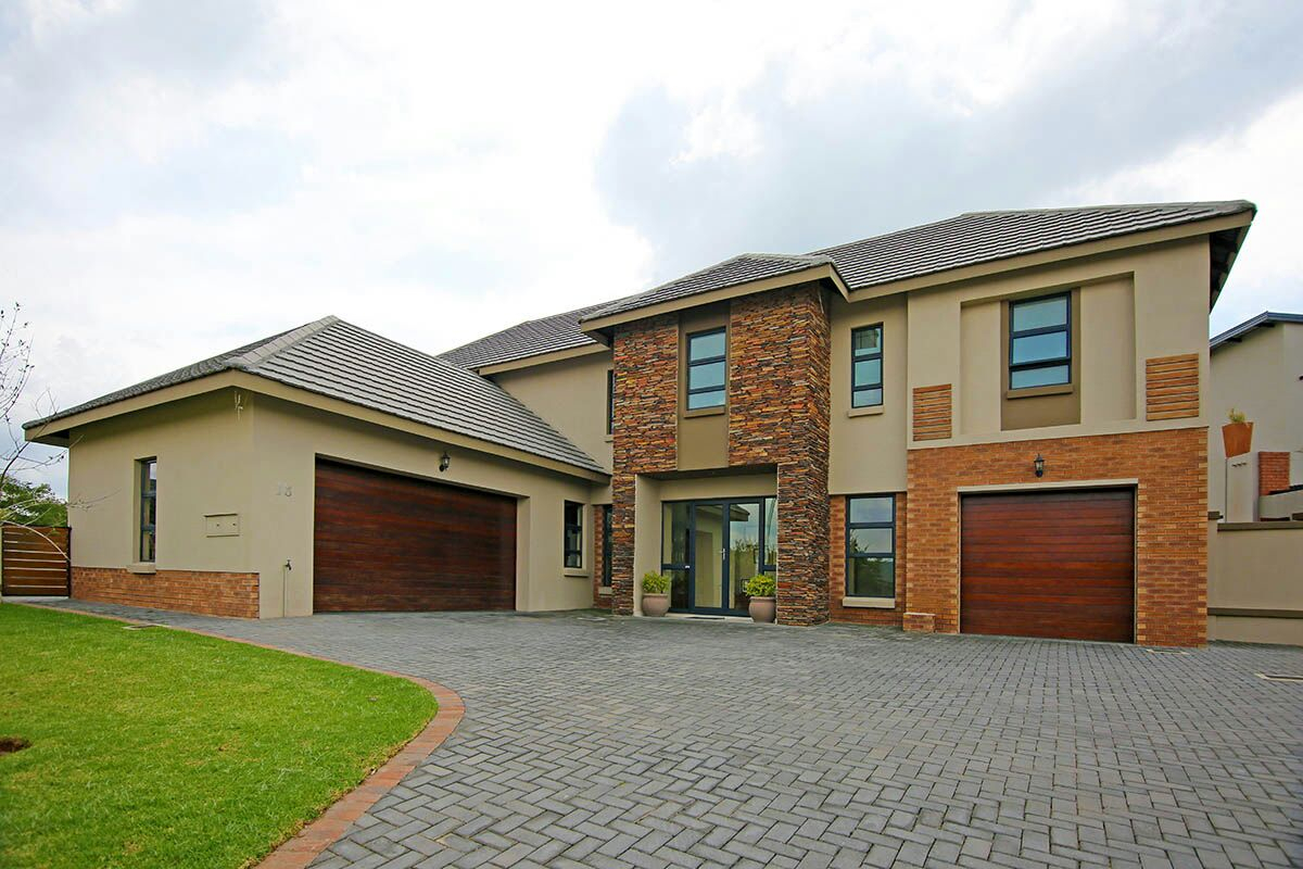 5 BedroomHouse To Rent In Midlands Estate