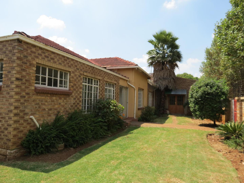 6 BedroomHouse For Sale In Benoni Central