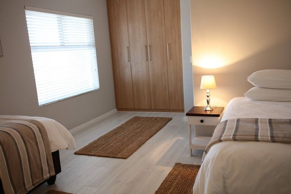 Second spacious bedroom with on-suite