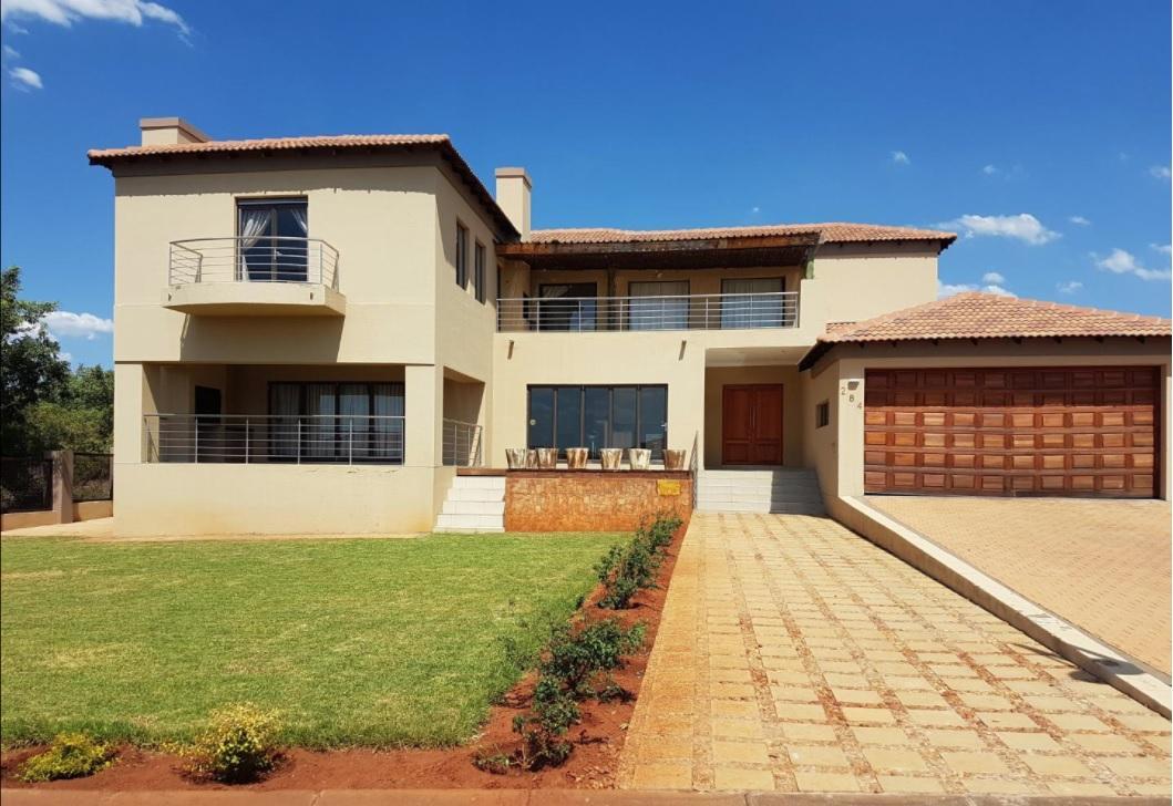 4 BedroomHouse To Rent In Hartbeespoort