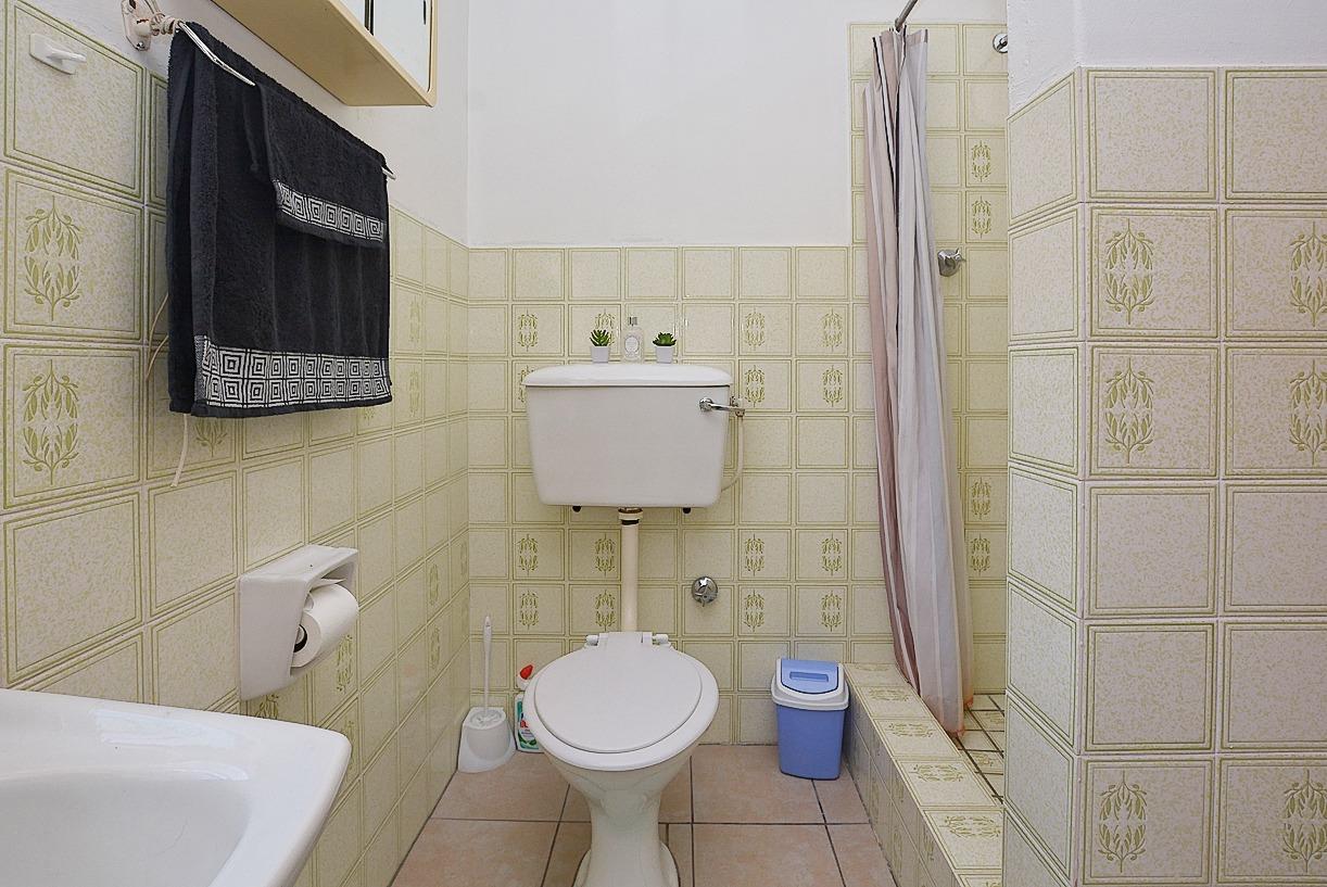 1 Sonskyn Flat Bathroom 2.jpeg
