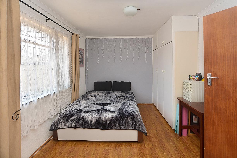 1 Sonskyn Flat Bedroom.jpeg
