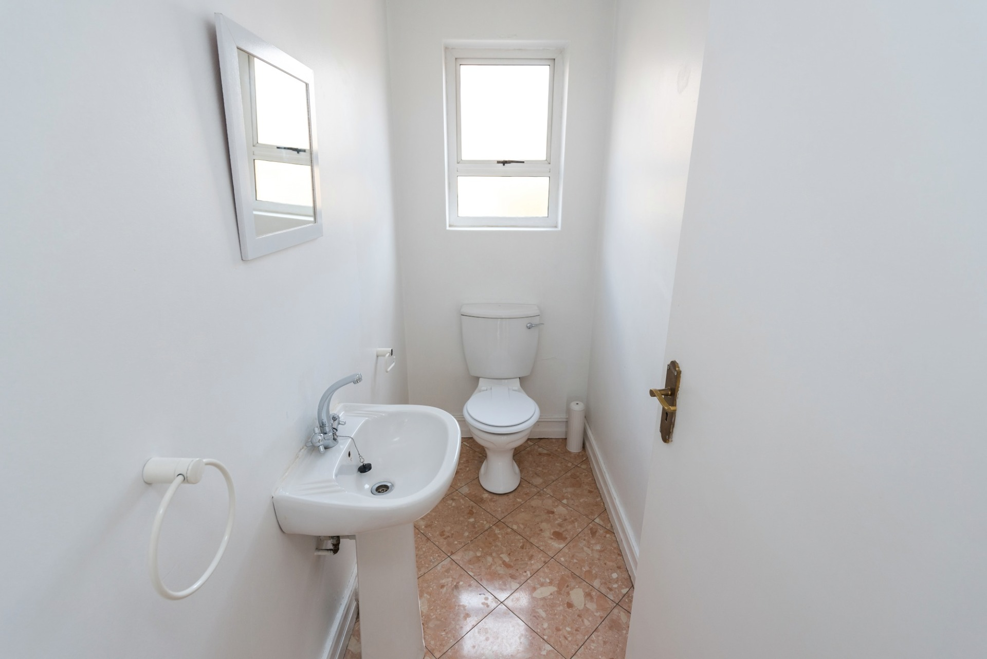 3c the riviera robert toilet.jpeg