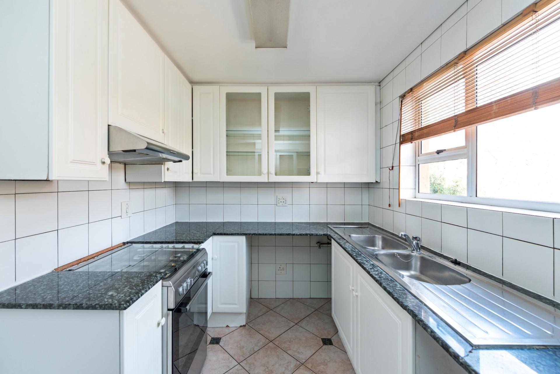 3c the riviera robert kitchen whole view.jpeg