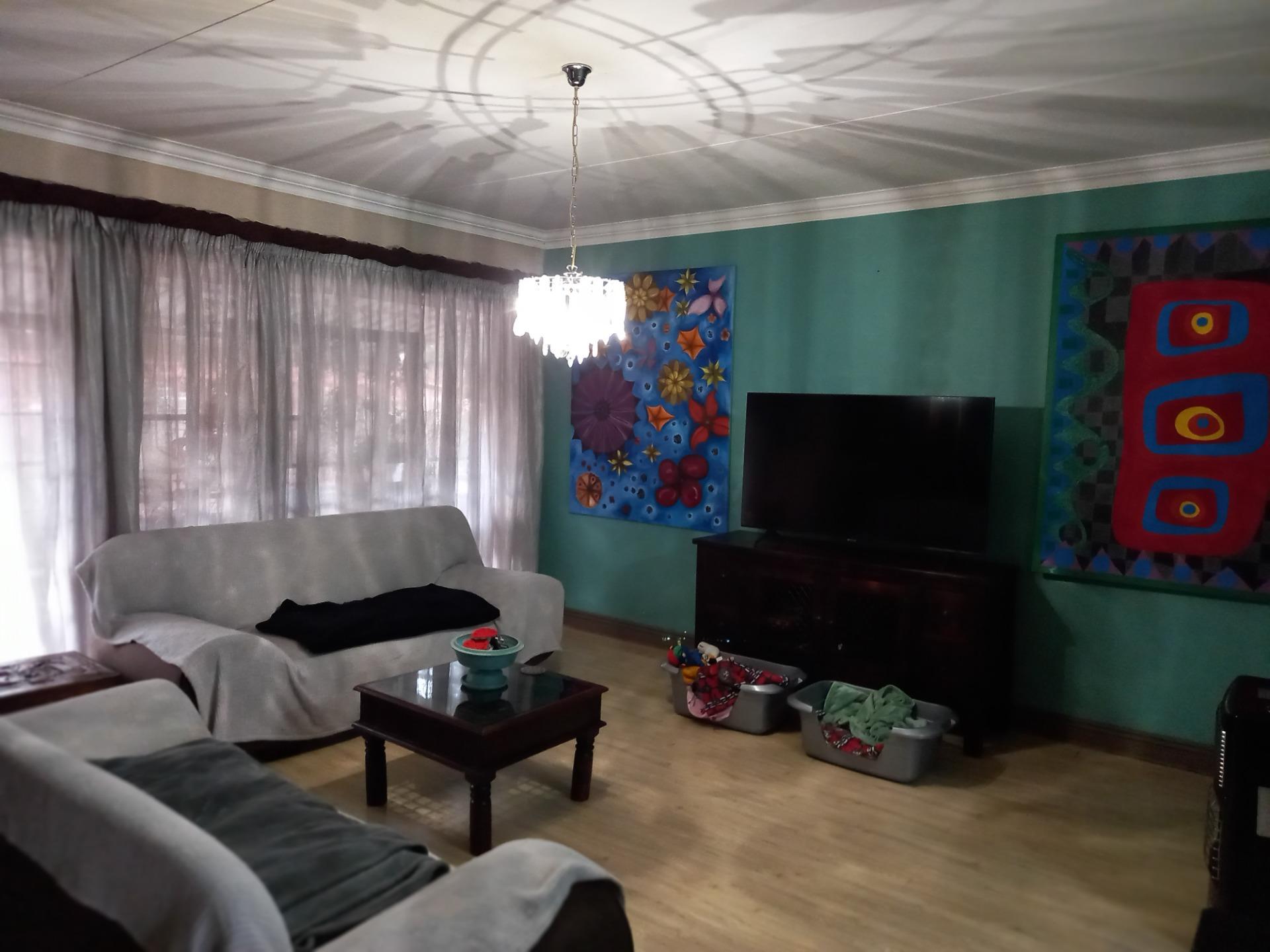 TV Room 2.jpeg