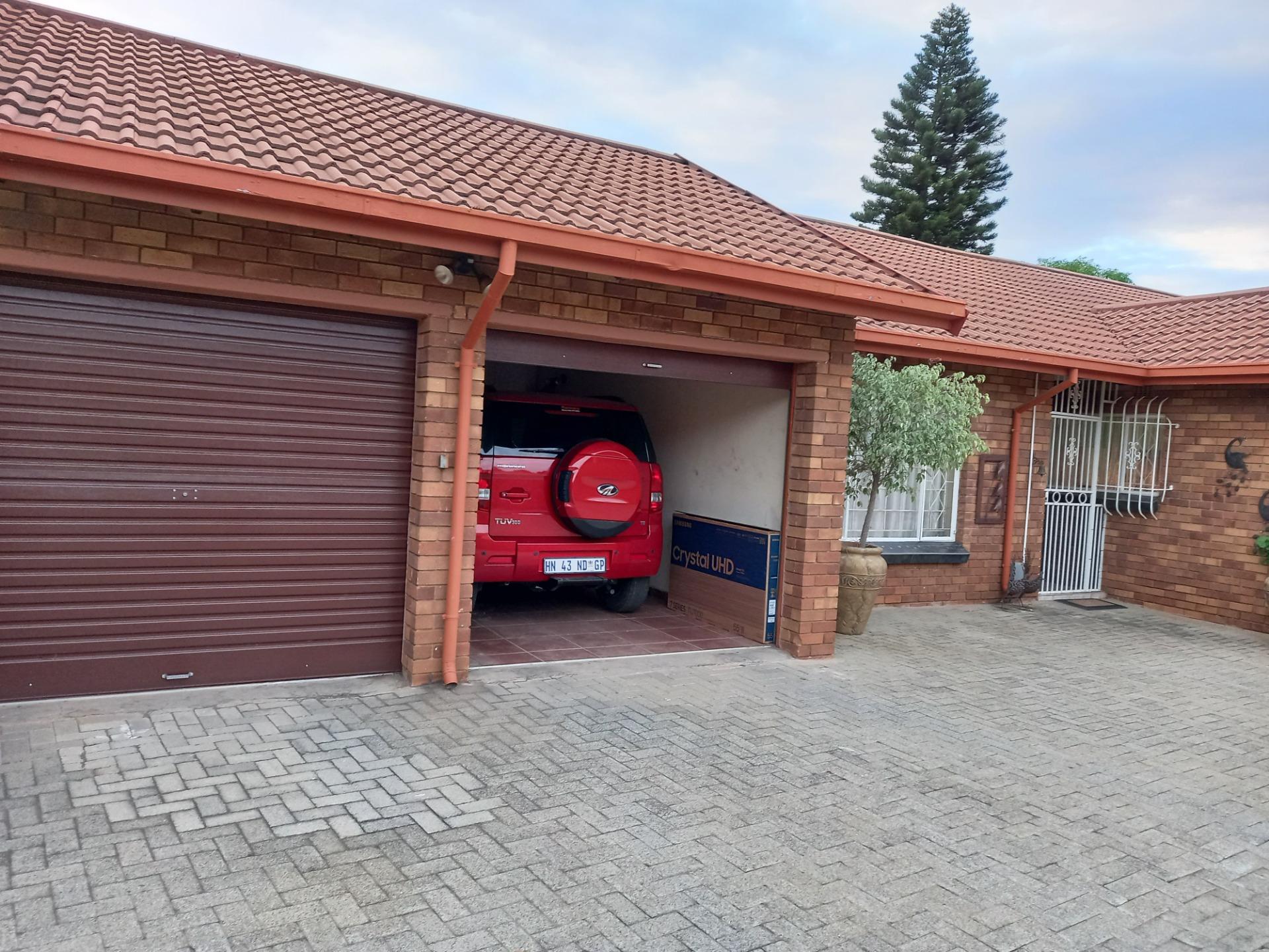 Garage 1.jpeg