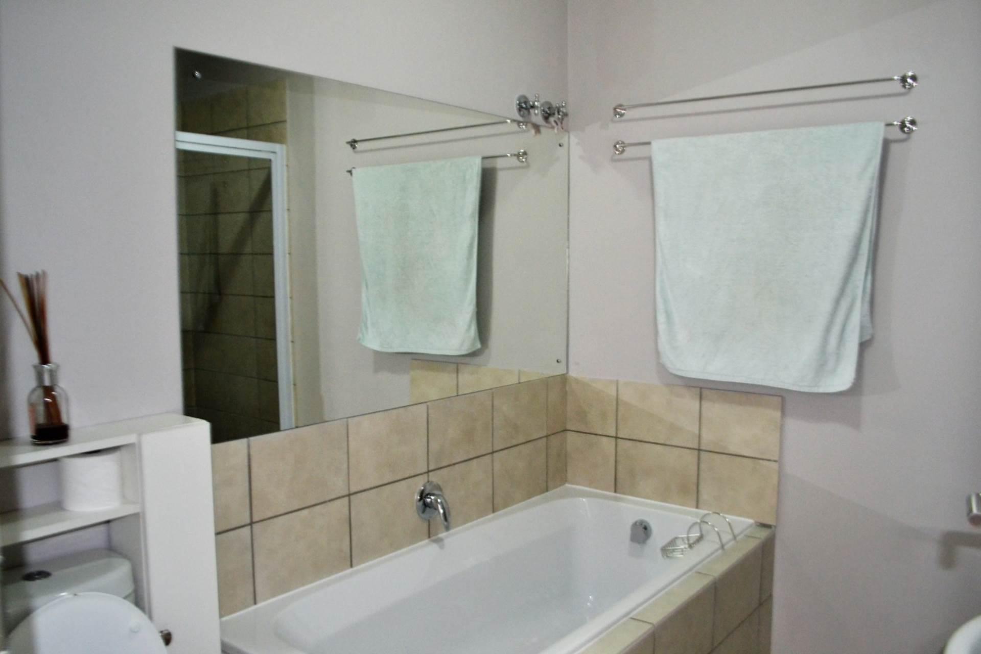 Crystallite Bathtubs And Vanities Thevote Crystallite Bathtubs