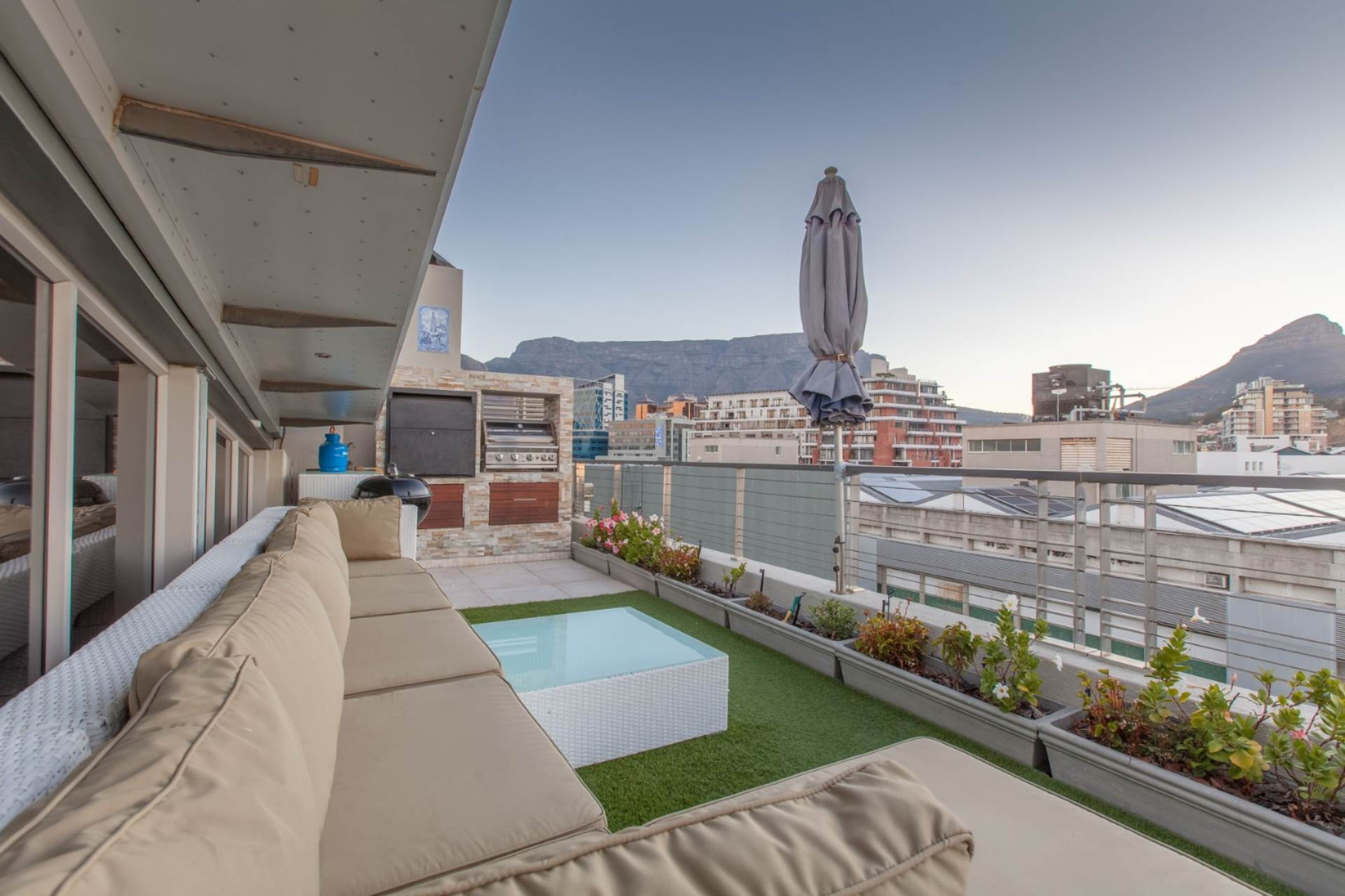 Penthouse For Sale In De Waterkant, Cape Town, Western Cape for R ...