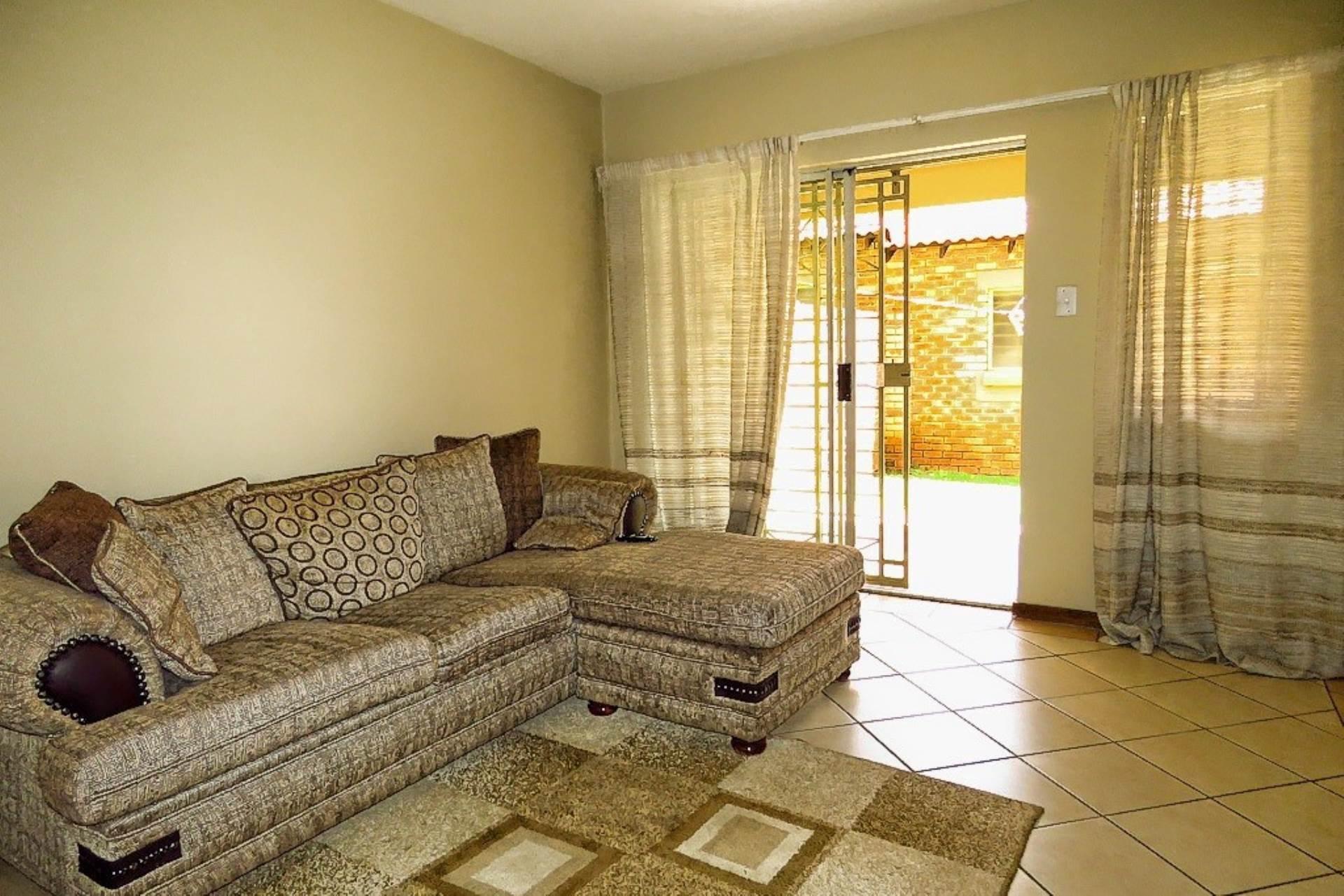 Apartment Pending Sale In Eco Park, Centurion, Gauteng for R 840,000